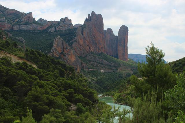 El perfil de los Mallos de Riglos, la primera vista del cielo de Huesca
