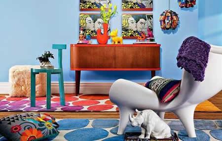 """Esse mundo da decoração me encanta tanto que fico fascinada pelas diversas tendencias que sujem. E essa semana estava assistindo um programa que amo o 'Mas Cor Por Favor"""" na GNT, que mostrou uma decoração um bonecos de desenhos animados, e achei muito massa."""