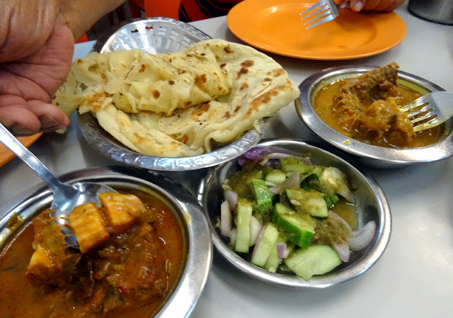 Traditional Indian Food in Little India, Singapore - Roti Prata and Teh Tarik