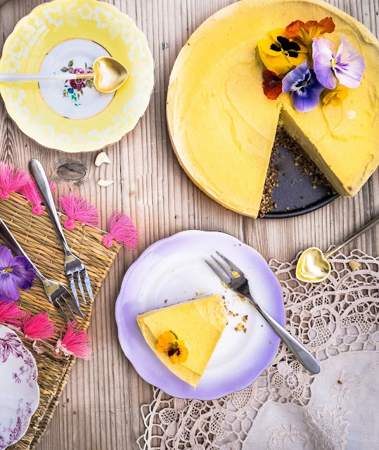 Raw Mango and Ginger Cheesecake