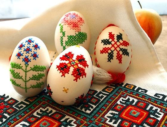 Diy-de-decoracao-para-ovos-de-pascoa-para-comemoracao-em-sua-casa-bordado