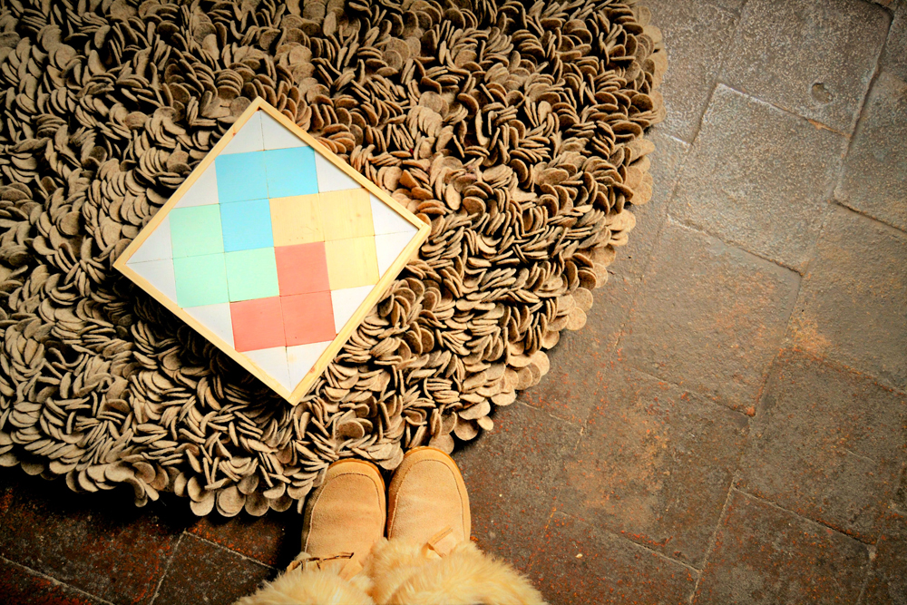¿Te gustan las alfombras artesanales redondas pero estas perdida? Pues no te preocupes que te cuento cómo decorar con alfombras artesanales redondas de manera facil