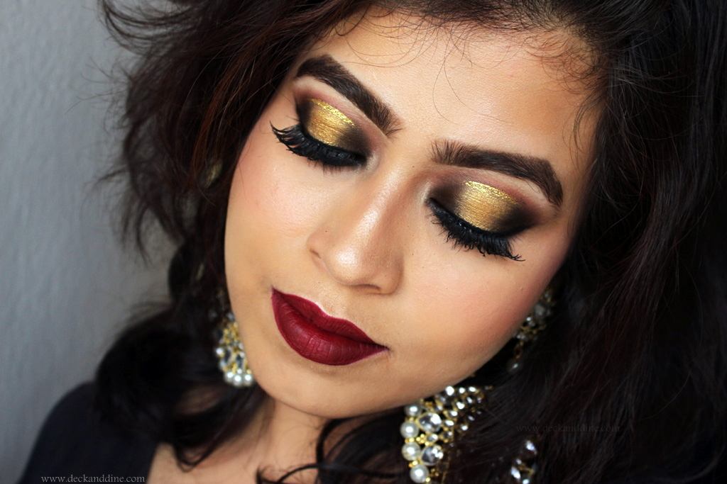Easy Gold And Black Spotlight Halo Smokey Eyes Tutorial With Step