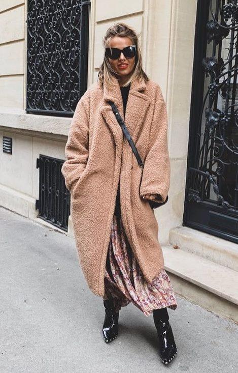 best winter outfit / fur coat + crossbody bag + maxi dress + boots