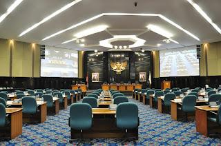"Takut Indeks Demokrasi Turun, Anggota DPRD Meminta KPK ""Istirahat"" Menangkap Koruptor-berita totokita"