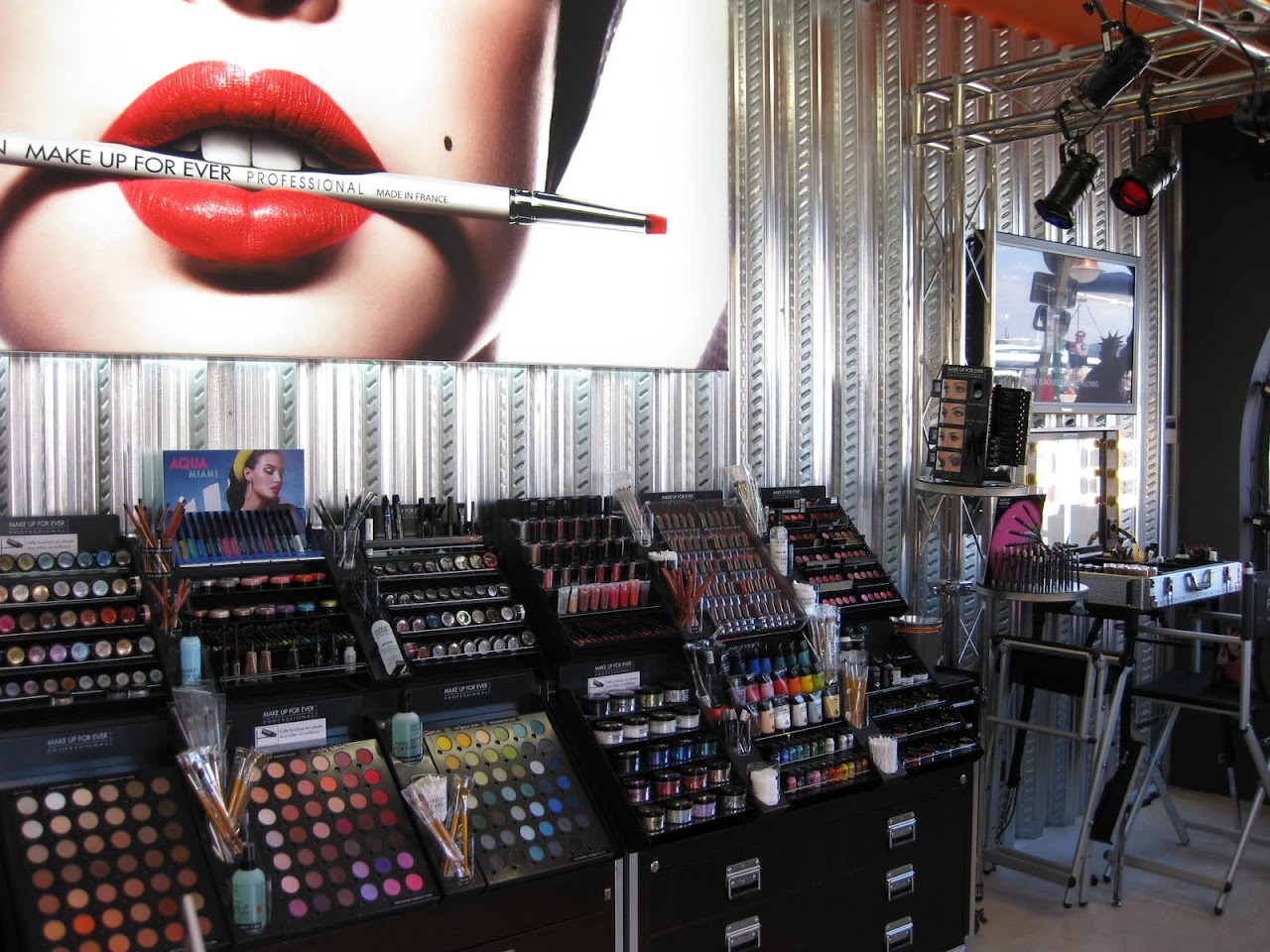 Make Up For Ever's St. Tropez Pop Up Store