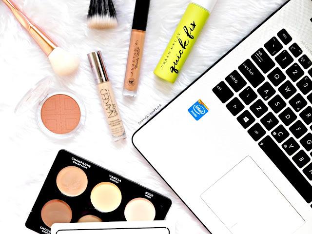 makeup flatlay, blog tips