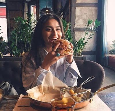 food,hamburguesa,chica