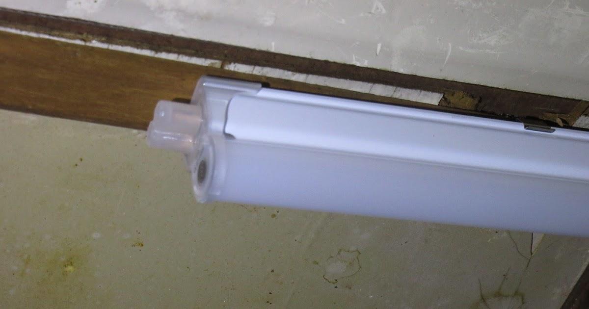 阿原記事本: 維修 DIY:拆下日光燈管,換上 T5 型 LED 層板燈