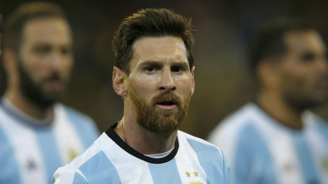 ki-hop-dong-voi-Messi-that-phuc-tap-Kun-Aguero