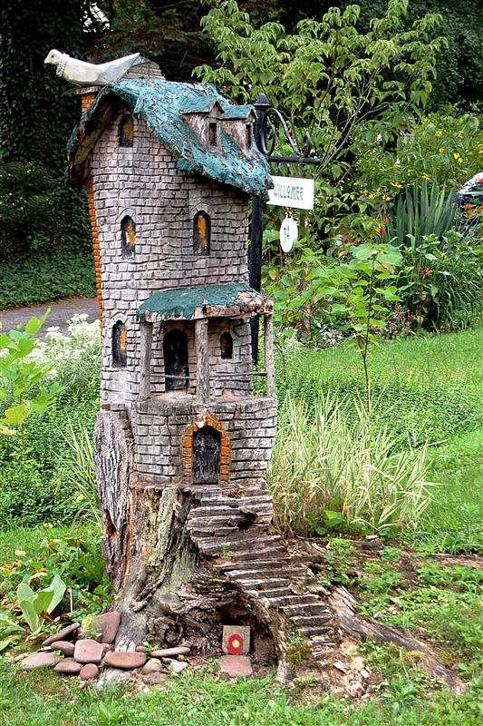 Gnome Tree Stump Home: Capadia Designs: A Little Bit Of Whimsy