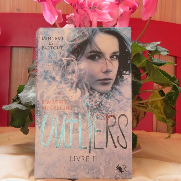 Outliers, tome 2 : Livre II de Kimberly McCreight