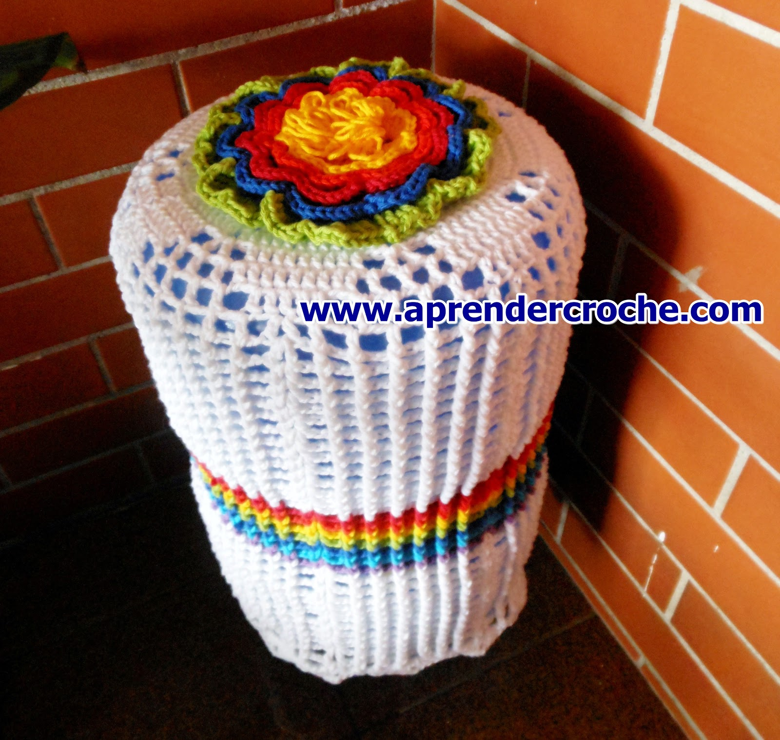 edinir croche ensina Como fazer essa linda capa de crochê para galão d'água com edinir croche