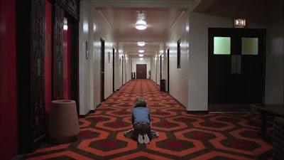 Escena de la película El Resplandor dirigida por Stanley Kubrick