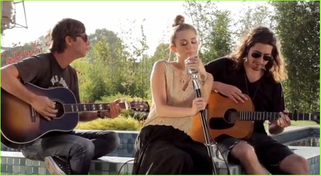 """Backyard Sessions"" por Miley Cyrus   Momento Sonoro"