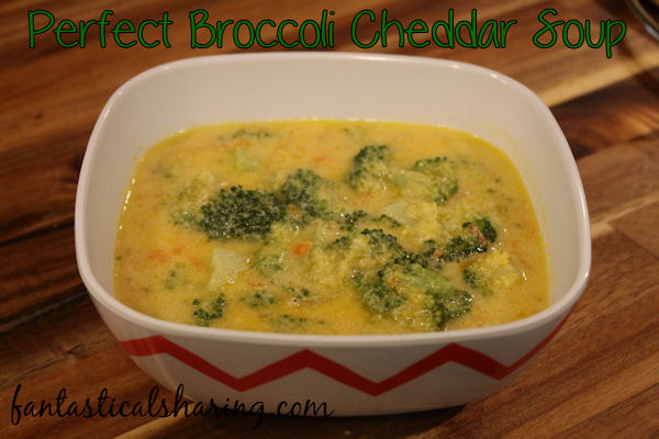Perfect Broccoli Cheddar Soup // The perfect recipe for soup night to warm you up once it starts to get chilly outside! #recipe #broccoli #soup