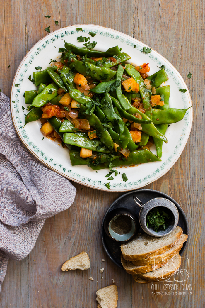Zielona fasolka z oliwą i pomidorami po grecku (Fasolakia lathera)