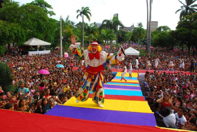 O Palhaço Chocolate anima o Dia das Crianças no Parque 13 de Maio com  Show gratuito nesta sexta-feira (12), a partir das 15h, já é tradição no Recife com atividades para toda família