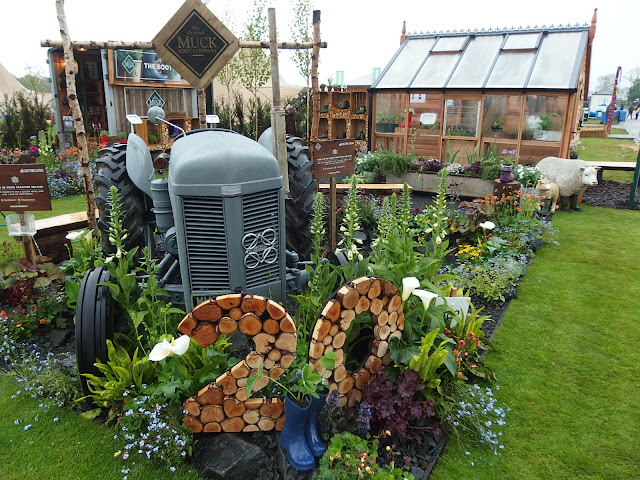 Muck Boot's striking display to celebrate their 20th birthday which also won best show stand