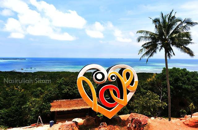 Ikon-ikon lain yang ada di bukit Joko Tuo Karimunjawa