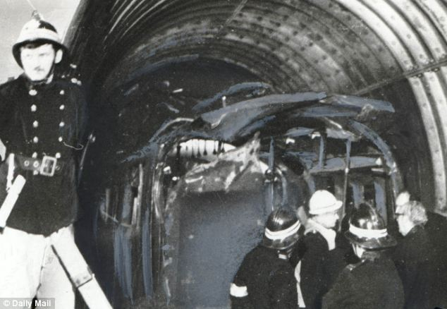 Moorgate_Train_Crash_2