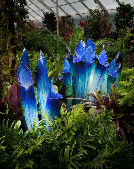 11-Jason-Gamrath-Giant-Glass-Orchids-and-other-Flowers-Sculptures-www-designstack-co