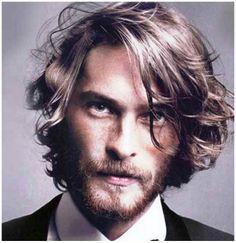 26 Model Gaya Potongan Rambut Pria Panjang, Ikal dan Semi Style Terbaru