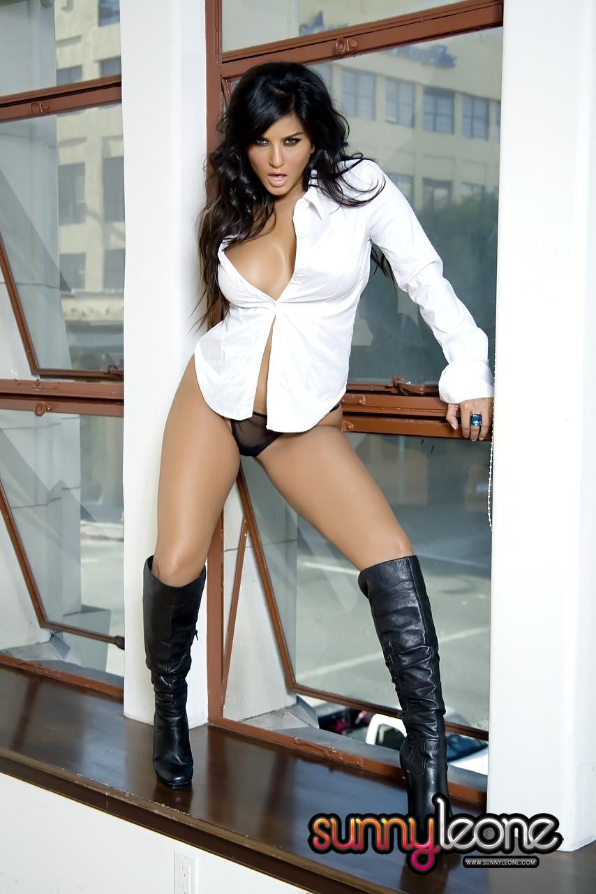 You Tube Sunny Leone Pantyhose 14
