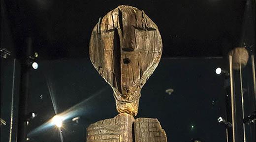 Misteriosa estatua humanoide siberiana es más antigua que las pirámides