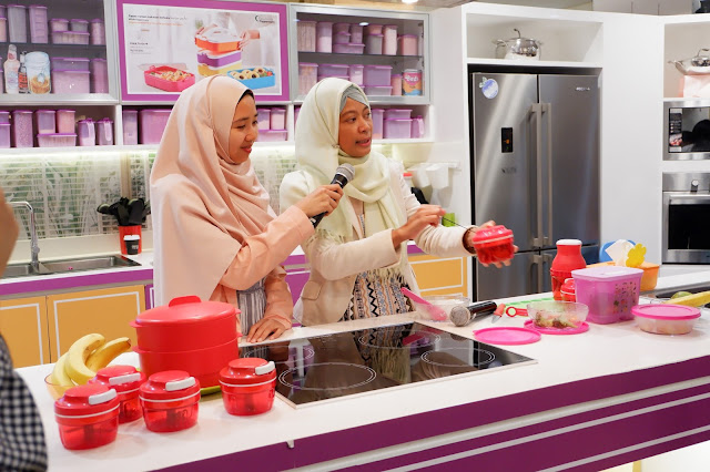 tupperware indonesia saat peluncuran little baby spa