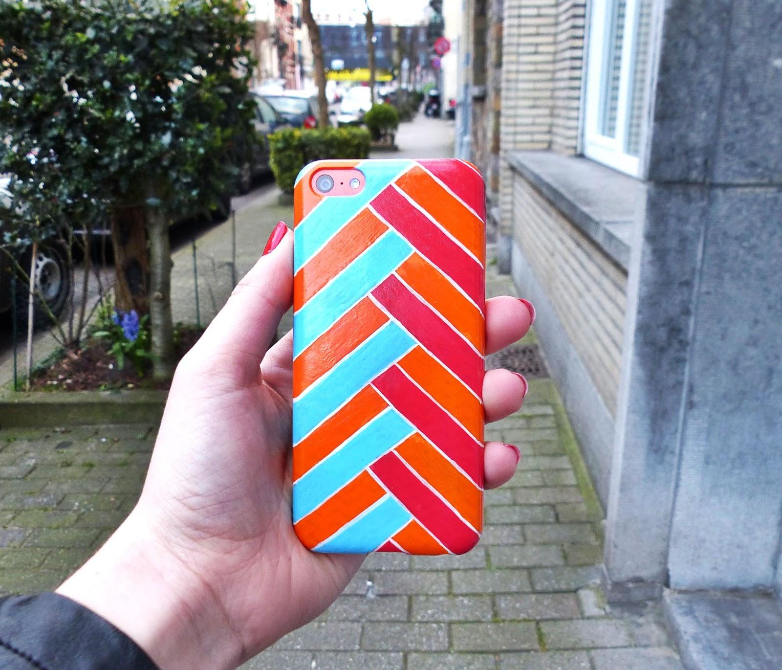 Favori DIY : Customiser sa coque de téléphone avec des feutres posca  UR22