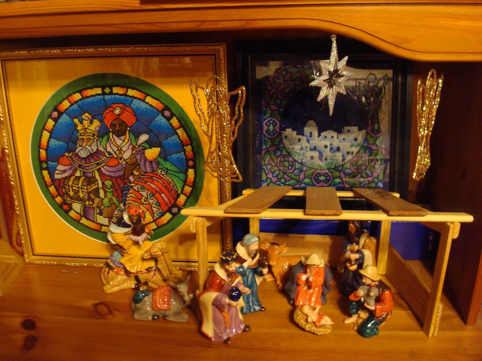 Serendipitous Stitching: 2011 Online Advent Calendar