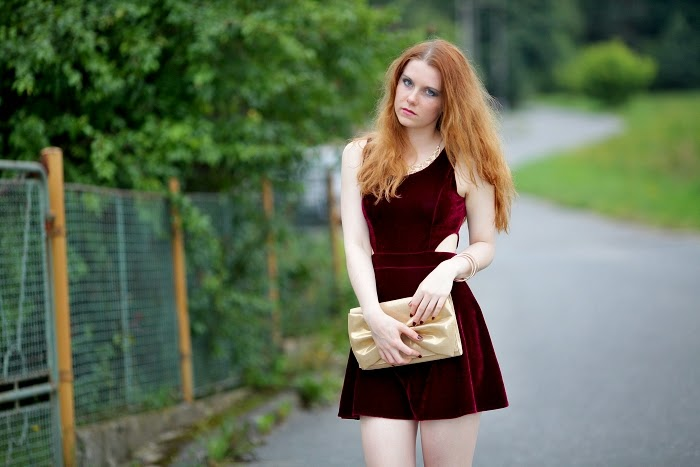 lucie srbová, style without limits, velvet dress, maroon velvet