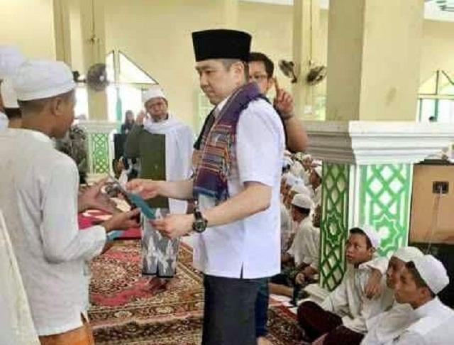 Hary Tanoesoedibjo Perindo masuk ke masjid dan pesantren, netizen menyebutnya mursyid tarekat Miss World
