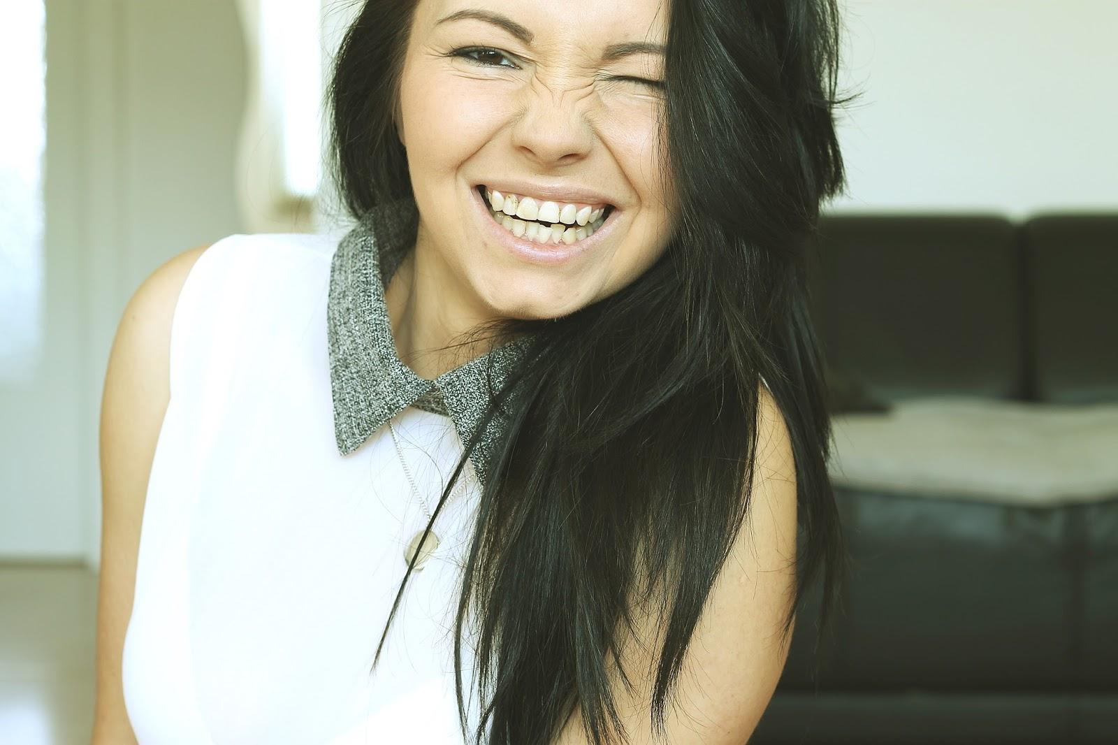 uśmiech szeroki