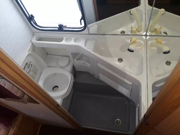 toaleta-rulota