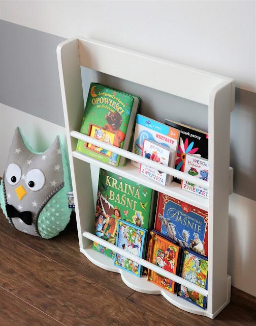 półka na książki pokój dziecka
