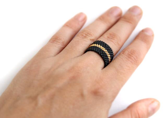 дизайнерские украшения из бисера купить оригинальное кольцо бижутерия из бисера