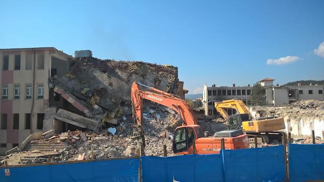 Kastamonu Dr. Münif İslamoğlu Hastanesi yıkılıyor...