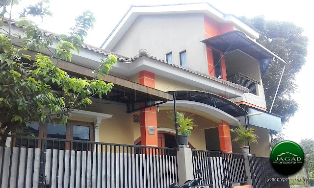 Rumah Mewah beserta Tanah Pekarangan di Jalan Magelang