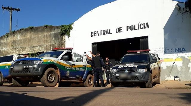 HOMEM É PRESO AO AMEAÇAR ARRANCAR CABEÇA DA EX-MULHER PARA FAZER DE BOLA