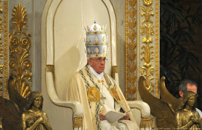 Pope and crown