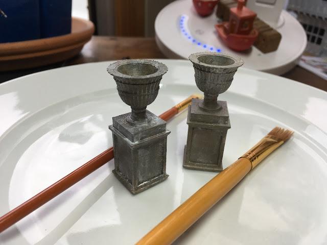 3D Printed Garden Urns via foobella.blogspot.com
