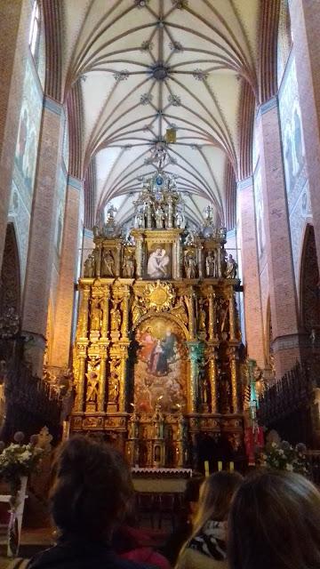 Bazylika Pelplin ołtarz główy złoty wysoki sklepienie
