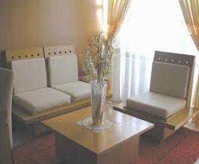 gambar ruang tamu di rumah sederhana