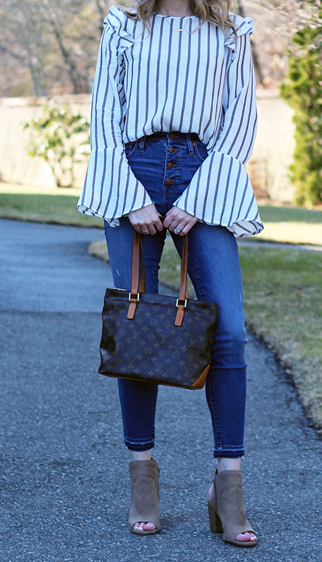 Stripe Top #stripetop #springfashion #buttonfrontjeans