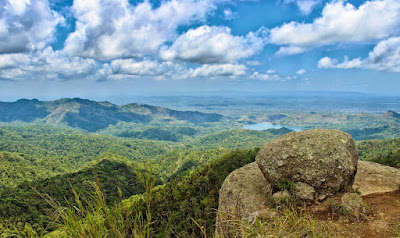 http://quintbian.blogspot.co.id/2016/03/wisata-alam-gunung-ijo-purworejo.html