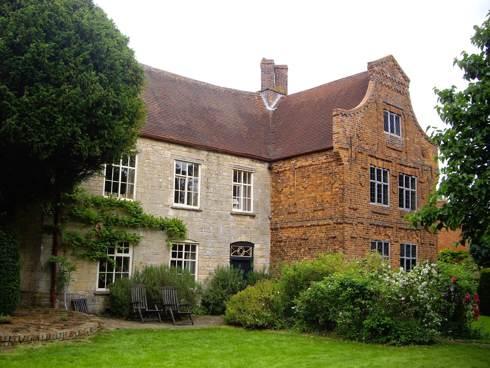 Something Of The Chameleon The Manor House Aslackby 2014