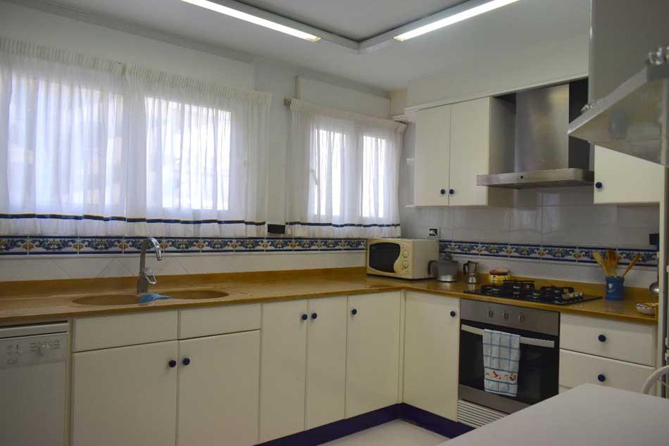 apartamento en venta paseo pilar coloma benicasim cocina2