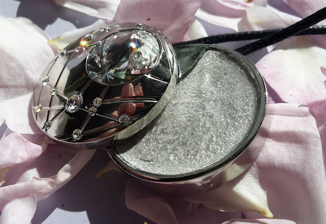 Swarovski: Aura Crystal Touch Jewel Face and Body Highlighter and detail